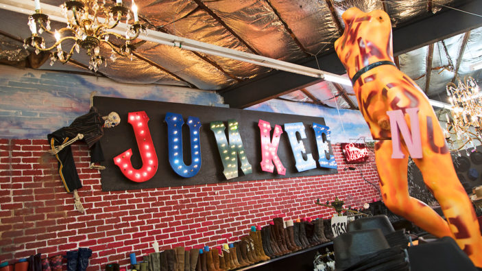 Junkee Clothes Store