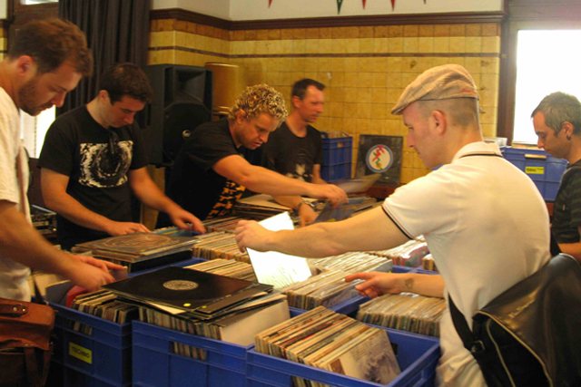 Black and Gold Record Fair